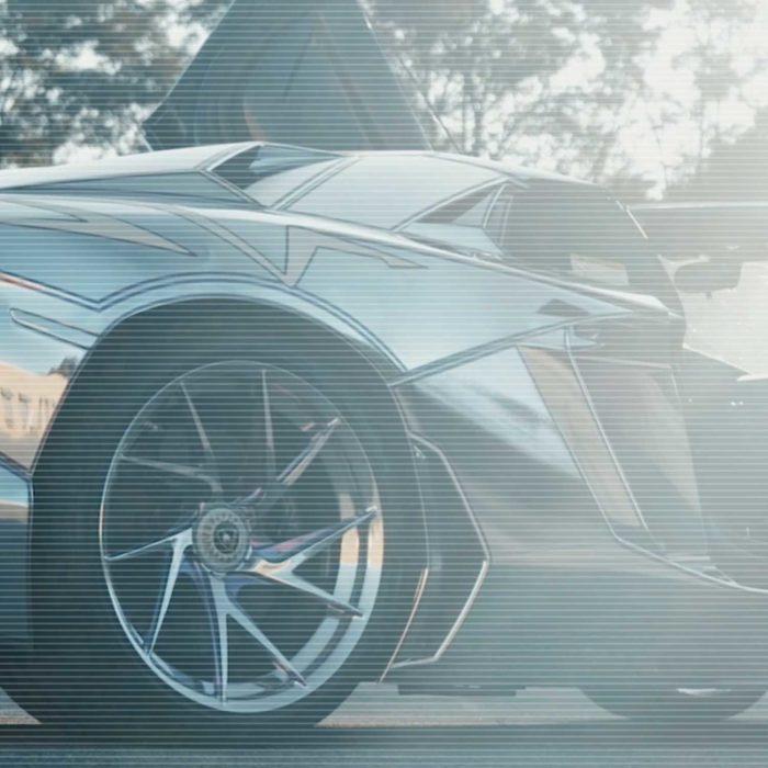Sotto – Lamborghini Aventador SV